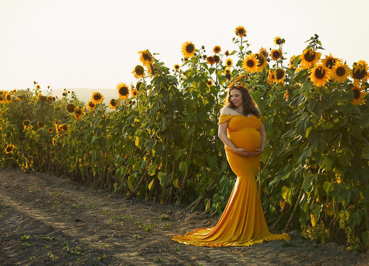 #sunflowers #golden #sunset #maternity