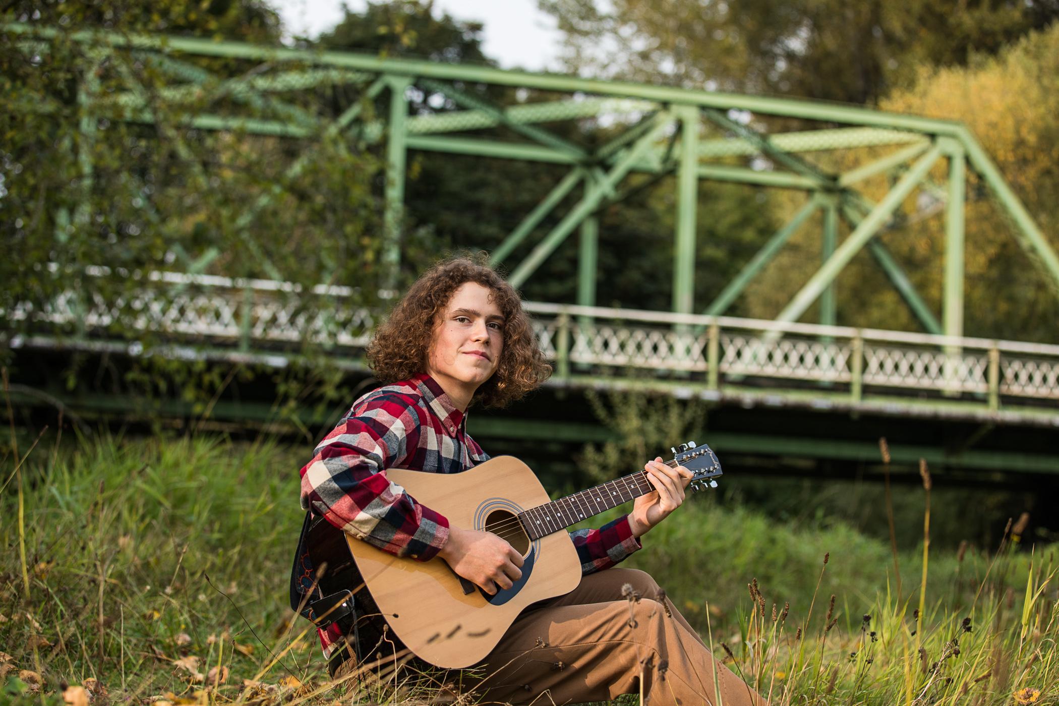 senior Portraits, guitar player